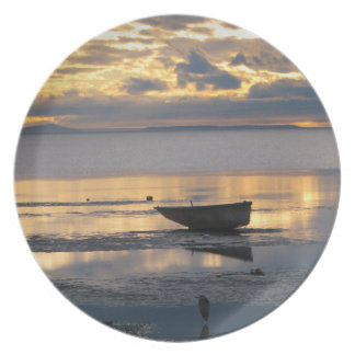 Boat and Heron Plate