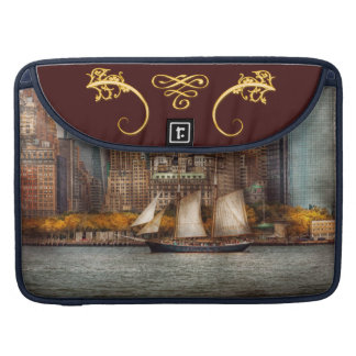 Boat - Governors Island NY - Lower Manhattan Sleeve For MacBook Pro