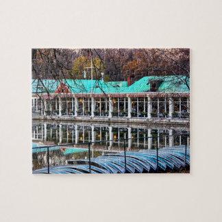Boathouse del restaurante del bote de remos del puzzle