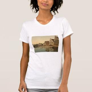 Boathouse en Gante, Bélgica Tee Shirt