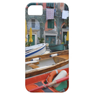 Boats in Piazza in Vernazza, Cinque Terre, Italy iPhone SE/5/5s Case