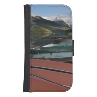 Boats parked on the lakeshore of Maligne Lake, Galaxy S4 Wallet Case