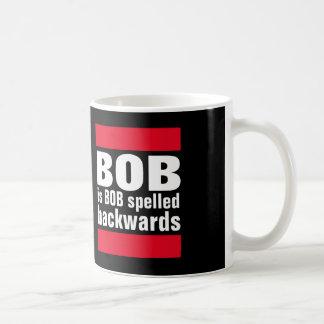 Bob es al revés taza de café deletreada Bob