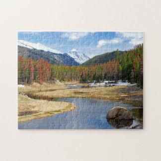 Bobina el río Colorado con las montañas y los pino Puzzle