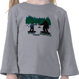Bobo resuelve Squatch Camiseta