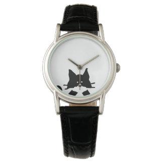Boca de la cubierta del gato del gatito relojes