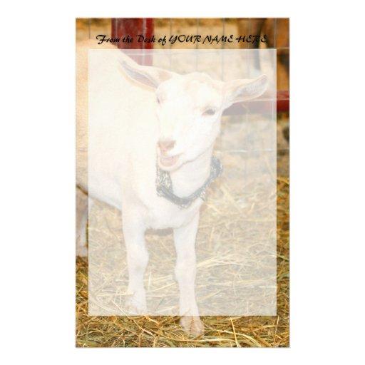 Boca doeling de la cabra de Saanen abierta Papeleria