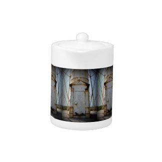 Boca Grande Entrance Teapot