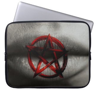 Boca roja del Pentagram Mangas Computadora