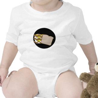 Bocadillo del tocino, del huevo y del queso camiseta