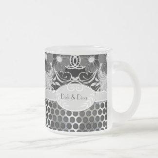 Boda de hombres floral femenino negro y gris del m taza