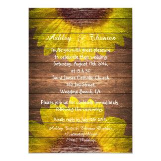 Boda de madera rústico de los girasoles del país invitación 12,7 x 17,8 cm