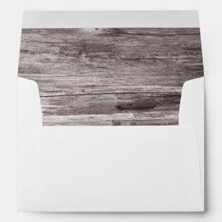 Boda de madera rústico del fondo sobres