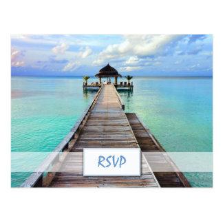 Boda de playa de Maldivas del embarcadero de la se Postales