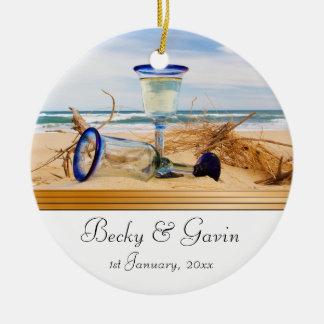 Boda de playa del recuerdo del boda adorno redondo de cerámica