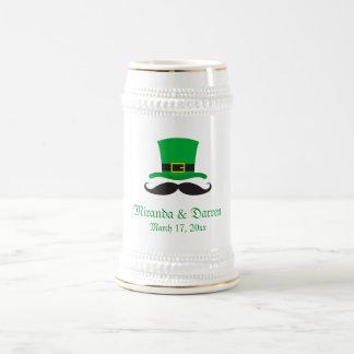 Boda del día de St Patrick del bigote del gorra de Tazas