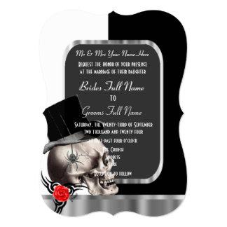 """Boda gótico blanco y negro con clase del cráneo invitación 5"""" x 7"""""""