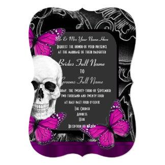 """Boda gótico púrpura alternativo del cráneo del invitación 5"""" x 7"""""""
