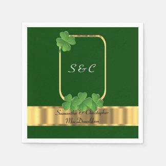 Boda irlandés del verde, del oro y del trébol servilleta desechable