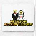 """Boda lograda """"misión"""" (de 8 bits) alfombrilla de ratón"""