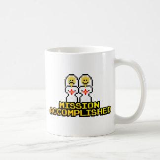 """Boda lograda """"misión"""" (lesbiana, de 8 bits) taza de café"""