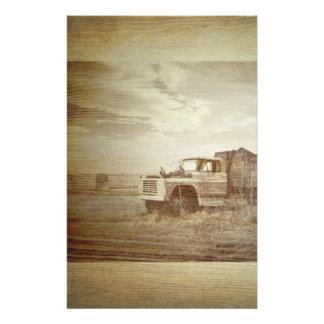 boda occidental rústico del país del camión de la  papelería