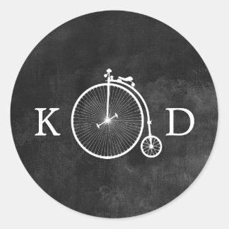 Boda oscuro de la bici vieja del vintage pegatina redonda