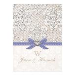Boda púrpura del encanto del cordón y de las perla invitacion personalizada