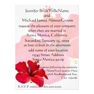 Boda rojo romántico del hibisco invitación personalizada