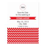 Boda rojo y blanco del monograma de Chevron del mo Tarjetas Postales