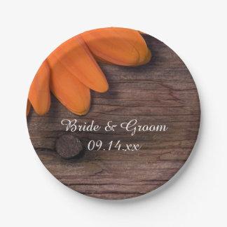 Boda rústico del país de la margarita anaranjada plato de papel 17,78 cm
