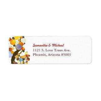 Boda simple colorido de dos árboles etiquetas de remite