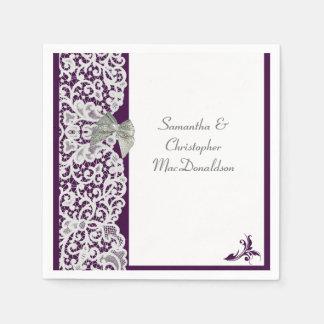 Boda tradicional brillante del cordón púrpura y servilleta desechable