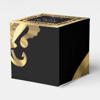 Boda trasero, de oro de la flor de lis caja para regalos