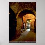 Bodega en Montepulciano, Toscana, Italia Poster
