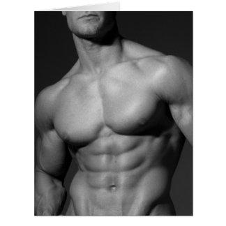Bodybuilder rasgado famoso en tarjeta de