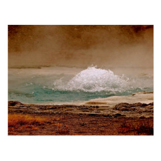 BOILING WATER VOLCANIC POOL IN YELLOWSTONE POSTCARD
