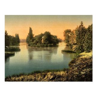 Bois du Boulougne (i.e., Boulogne), the lake, Pari Postcard