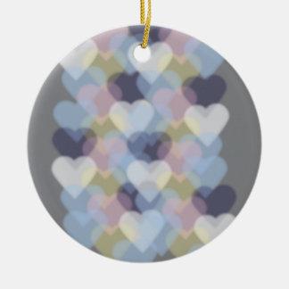 Bokeh inspiró corazones coloridos ornamente de reyes