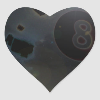 bola 8 pegatina en forma de corazón