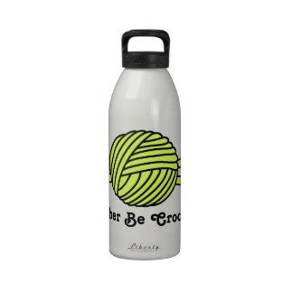 Bola amarilla de los ganchos del hilado y de ganch botellas de agua reutilizables