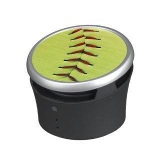 Bola amarilla del softball altavoz