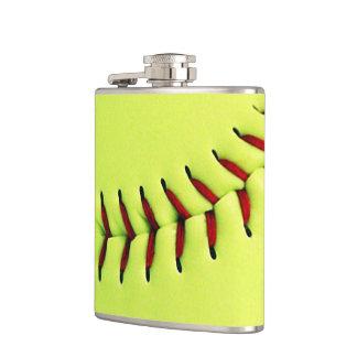 Bola amarilla del softball petaca