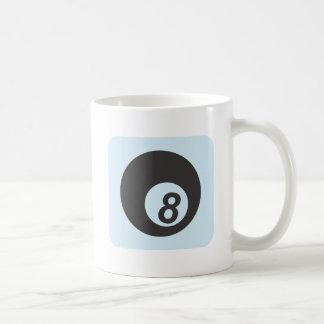 Bola de billar número ocho taza de café