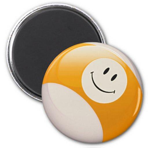 Bola de billar sonriente de la cara imán para frigorifico