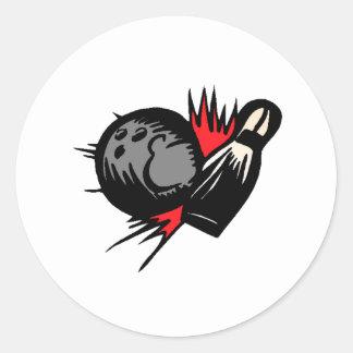 Bola de bolos que golpea el Pin Etiqueta Redonda