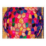 Bola de cristal que brilla intensamente roja clara tarjetas postales