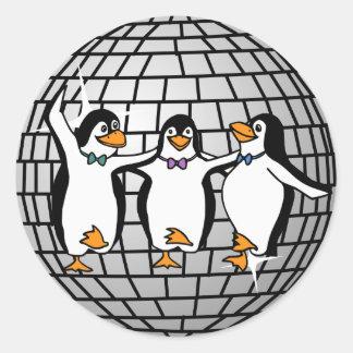 Bola de discoteca con el pegatina de los pingüinos