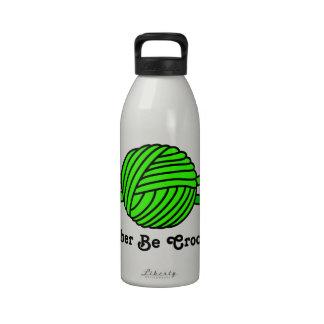 Bola de la verde lima de los ganchos del hilado y  botella de agua reutilizable