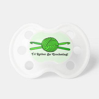 Bola de la verde lima de los ganchos del hilado y  chupete